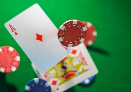 "ICOOP PokerStars: vince ""wudangeroc"", deal a 6"