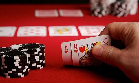 """La """"teoria del gioco perfetto"""" nel poker"""