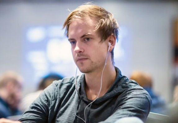 Highstakes online: Viktor Blom down anche a gennaio